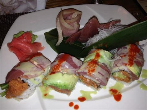 house of hunan medina a tuna specialty roll and sashimi picture of house of