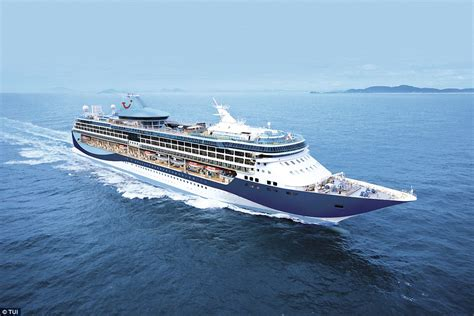 best ship simulator thomson cruises tui discovery named world s best ship