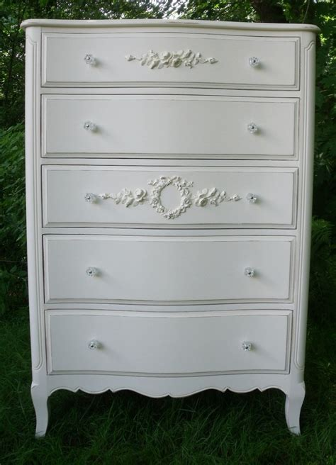 White Vintage Dressers by White Antique Dresser Decorating With White