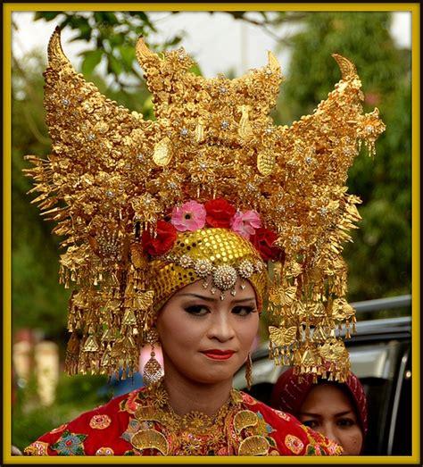 indonesian brides minangkabau bridal head dress sumatra eastern cultural