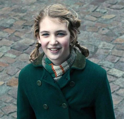 book thief hairstyles 147 best images about sophie nelisse on pinterest livres