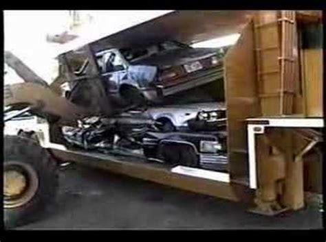 frank's new car crusher @ actionsalvage.com | funnycat.tv