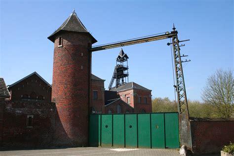 portique en bois 1664 file bois du luc cm jpg jpg wikimedia commons