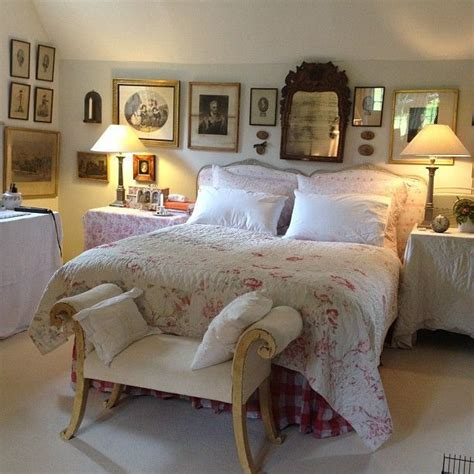 cottage bedroom cosy english cottage bedroom style english country