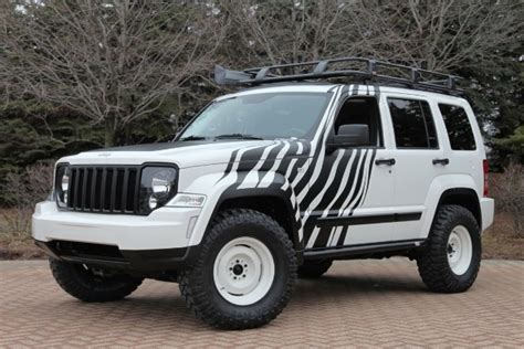 2011 Jeep Liberty Lift Kit Six Jeep Models Get The Mopar Makeover For 2011 Safari In