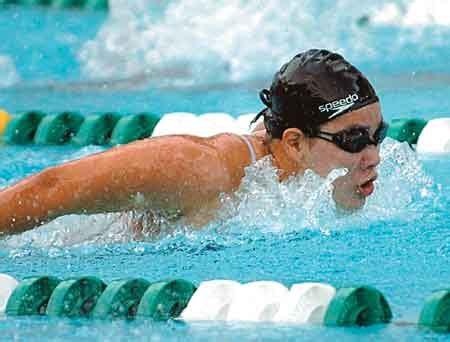 membuat makalah olahraga renang manfaat olahrga renang untuk kesehatan tips kesehatan