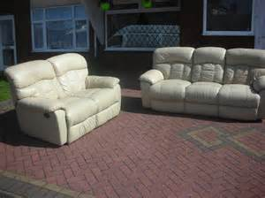 Leather Recliner Sofas Sale Uk 3 2cream Recliner Leather Sofa For Sale Dudley Dudley
