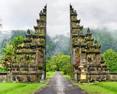 places  visit  bali   reviews