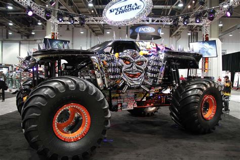 monster truck show in las vegas american motorists big on customization thedetroitbureau com