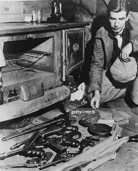 dillinger bank robber 25 best ideas about bank robber on bank of