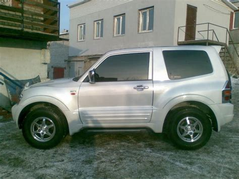 how to learn about cars 2001 mitsubishi pajero windshield wipe control 2001 mitsubishi pajero iii pictures information and specs auto database com