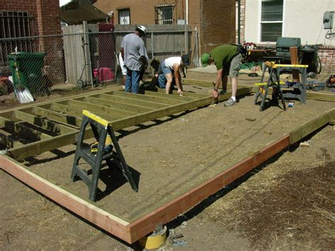 building a backyard deck how to build a deck how tos diy