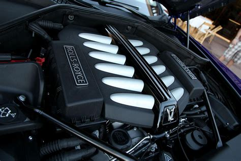 rolls royce wraith engine first drive 2014 rolls royce wraith digital trends