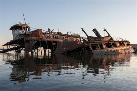 staten island boat graveyard staten island s abandoned arthur kill boat graveyard in