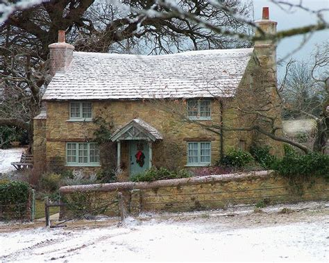 Country Cottage Breaks Who Can Resist An Adorable Cottage Decorated For The