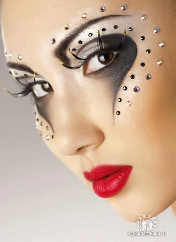 creative in make up but what we see in these hot girls wallpaper carnival makeup makeup and carnivals on pinterest
