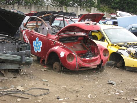 volkswagen scrap yards file scrapyard challenge vw beetle jpg