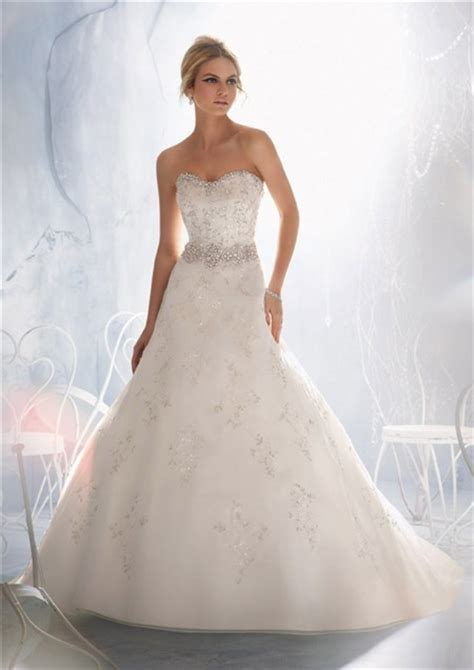 27926 Slim Lace Sweet Dress slim a line sweetheart lace beaded pearls wedding dress with buttons