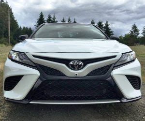 2018 toyota camry first drives of le, xle and xse by
