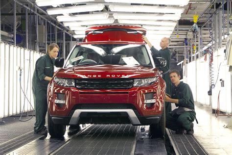 jaguar land rover production jaguar land rover debuts 24 hour production at halewood