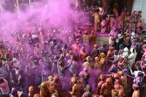 festival images holi 2017 when is the festival of colors and how to