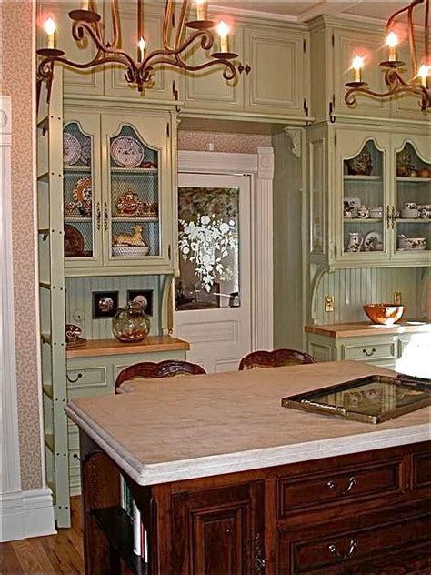 Sue Murphy design: pretty perfect! Victorian kitchen