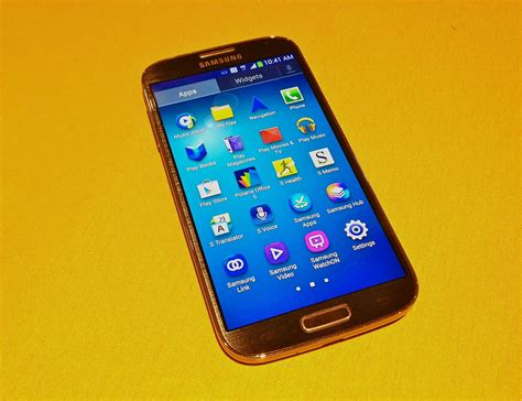 4 Samsung Galaxy Samsung Galaxy S4 Has Bigger Display And Bolder Software Goode Mobile Allthingsd