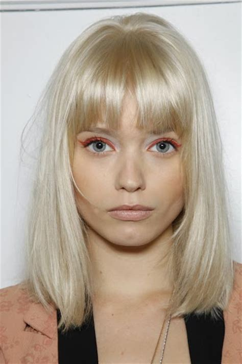 blonde bob with fringe abbey lee kershaw platinum blonde hair hairstyles