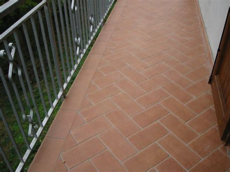 piastrelle per balconi esterni pavimentazioni modena e bologna pavimentazioni per