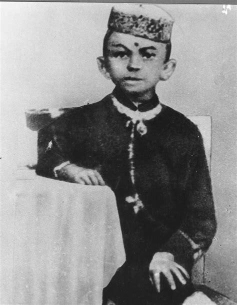 mahatma gandhi ki biography 301 moved permanently