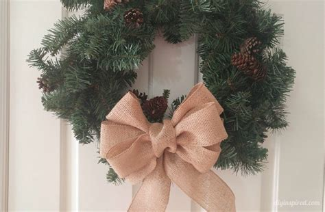 how to make a burlap bow tree topper how to make a burlap bow diy inspired