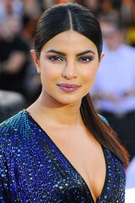 Home Decor Blue by Daily Beauty Buzz Priyanka Chopra S Iridescent Eye Makeup