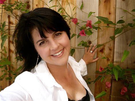 zayra syari world poetry proudly presents zayra yves from california