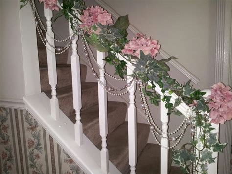 ivy staircase steunk pinterest ivy lodges and spiff up a stair rail with hydrangeas ivy christmas