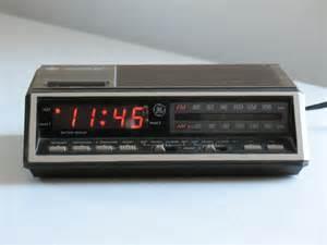 Kitsch Home Decor General Electric Clock Radio Digital Dual Alarm By