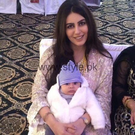 saba faisal family pictures