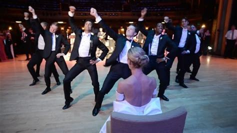 Virginia groom's incredible wedding dance to Uptown Funk