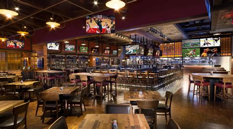 las vegas restaurants with dining rooms tap sports bar mgm grand las vegas