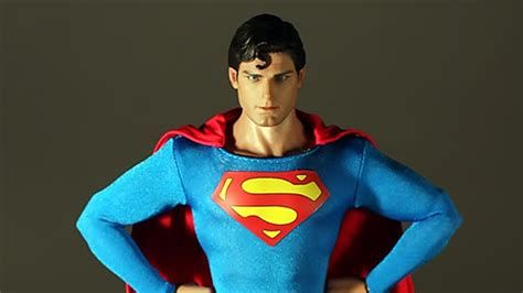 christopher reeve hot toys hot toys christopher reeve superman mms 152 actionfeatures