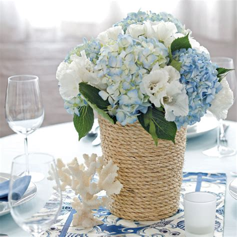 Handmade Wedding Centerpieces - find inspiration in nature for your wedding centerpieces