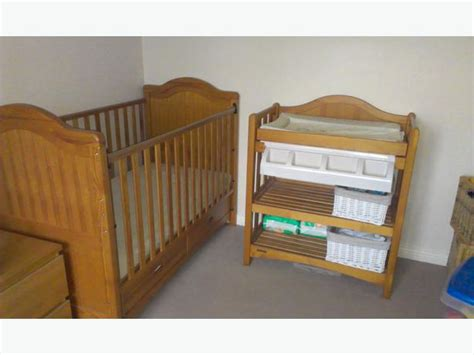 cot with changing table mamas and papas cot bed and changing table with bath