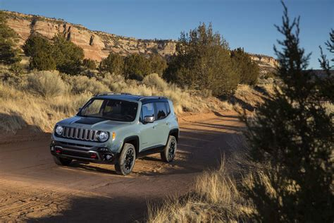 Jeep Renegade Mpg 2015 Jeep Renegade Estimated At 30 Mpg Highway Motor