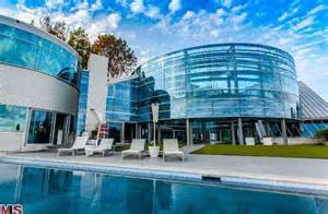 justin bieber haus justin bieber rents glass house for 60k month