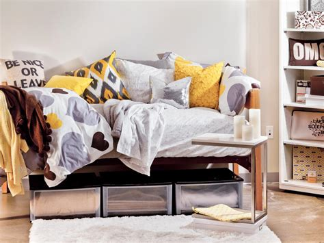 Storage Ideas For Comforters by Creative Bed Storage Ideas The Idea Room