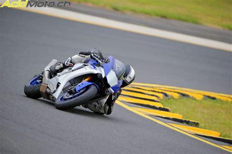 Yamaha Motorrad Verkaufszahlen by Testbericht Yamaha Yzf R1 Und R1m In Eastern Creek Ein