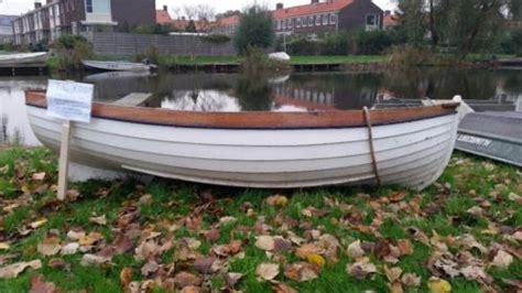 overnaadse roeiboot zeer mooie overnaadse jol zeilbootjeroeibootje te koop
