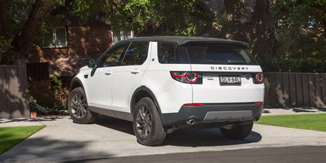 2017 land rover discovery sport green 2017 land rover discovery sport se si4 review caradvice