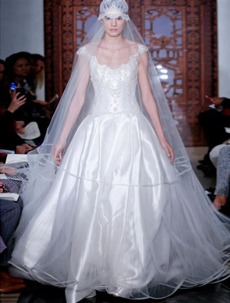 Discount Reem Wedding Dresses by Reem Acra Fairytale 4828 Wedding Dress Discounted On Sale