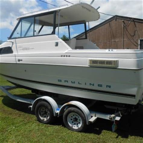 bayliner ciera express hardtop 1997 for sale for $6,000