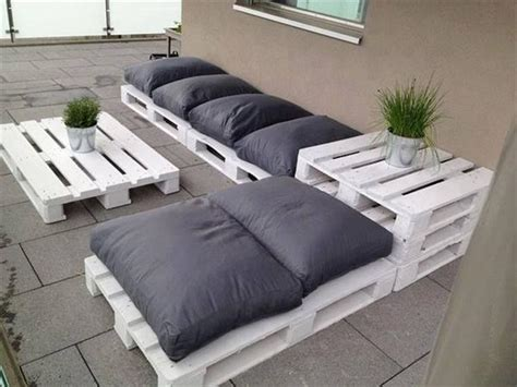 outdoor pallet couch 15 diy outdoor pallet sofa ideas diy and crafts